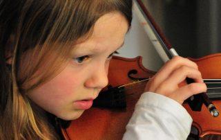 Nina-violin-Tempo-Musical